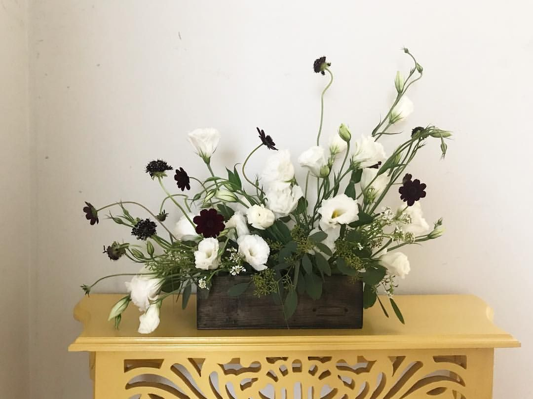Flower Arrangement Made With White Lisianthus Chocolate Cosmos Scabiosa Candytuft Eucalyptus Chocolate Cosmos Floral Design Flower Arrangements