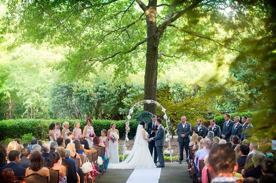 Real Wedding Ideas And Inspiration Here Comes The Guide Outdoor Wedding Outside Wedding Real Weddings