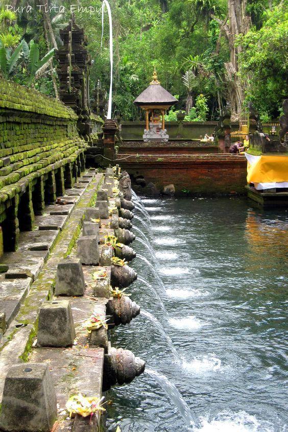 Bali Tirta Empul Temple Pura Tirta Empul 風景 寺院 風景写真