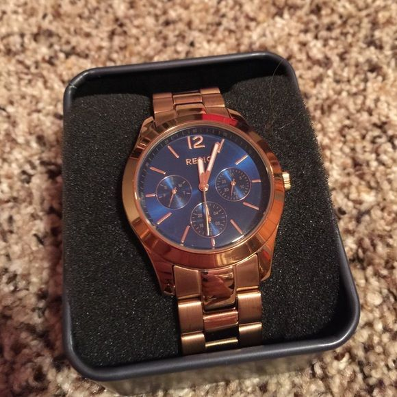 Rose Gold Relic Watch Navy Blue Face With Rose Gold Band. Has Some Minor  Scratches On The Bottom Side Of The Band, But Arenu0027t Seen Since Theyu0027re On  The ...