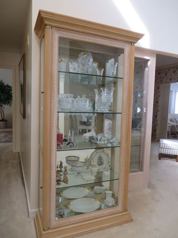 Curio Cabinet, solid wood carved pilasters, leaf detail border, 79 ...