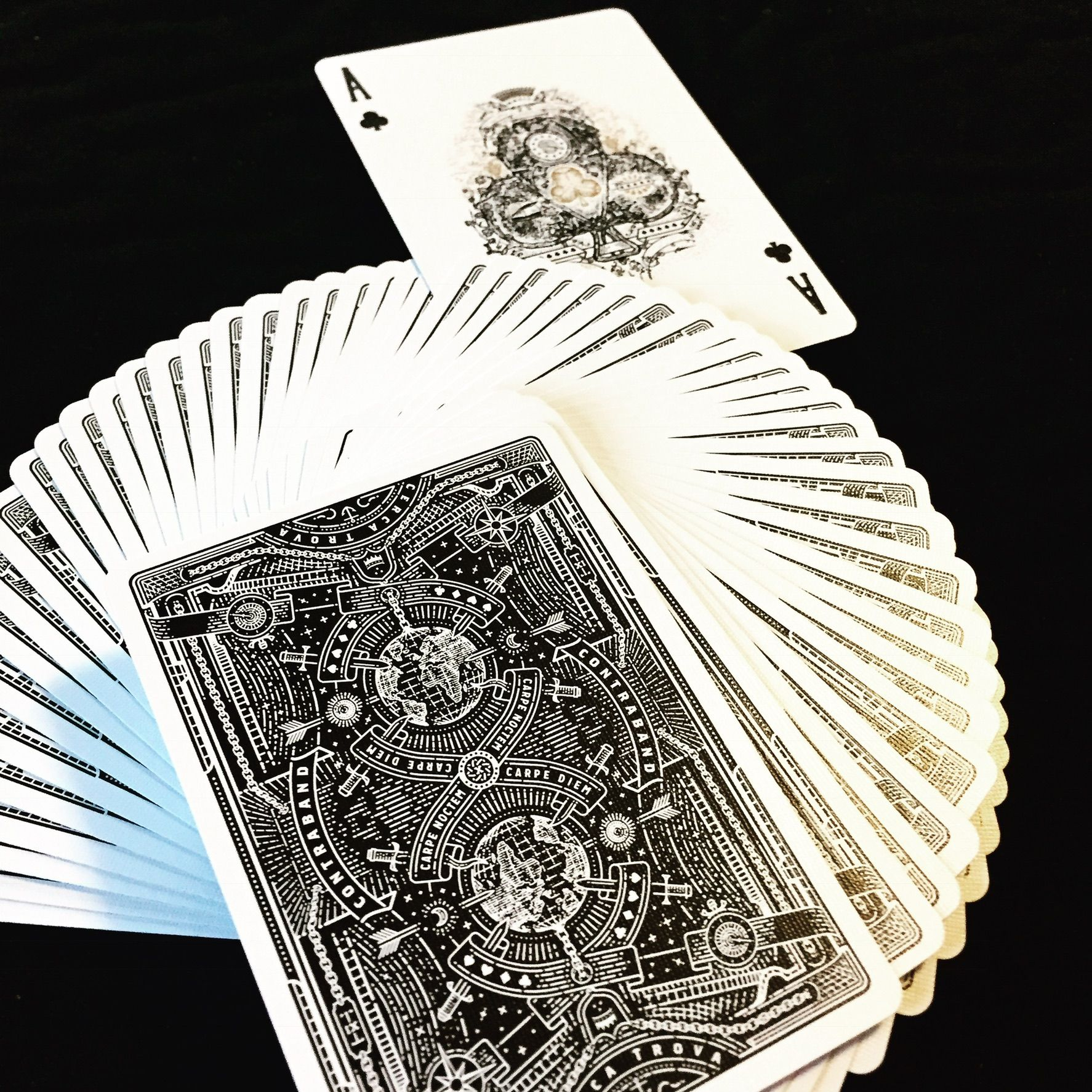 Contraband Playing Cards by Theory11 Poker Spielkarten Cardistry