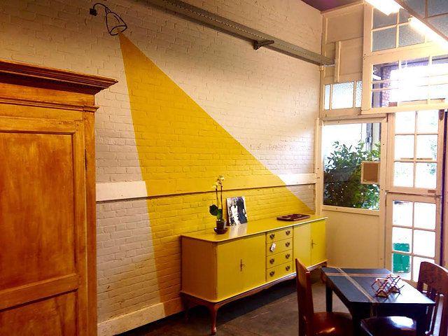 Tweedehands Meubels Amsterdam : Tweedehands meubelen in nieuw jasje kasten in gedurfde kleuren