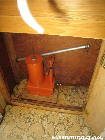 Hydraulic Pump Alaskan Camper Alaskan Campers Gallery Wander