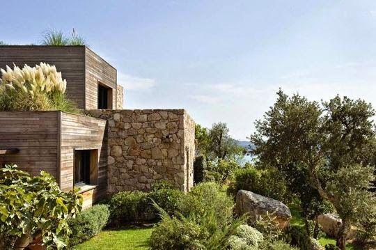 Maison pierre et bois Porto Vecchio Côté maison via Nat et nature - Modeles De Maisons Modernes