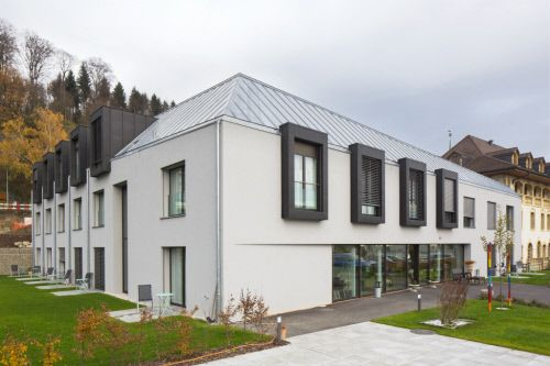 Residence Le Manoir In Gampelen Switzerland By Apart Architekten Biel Copyright Paul Kozlowski Zinc Anthrazinc Natur Architecture House Styles Mansions