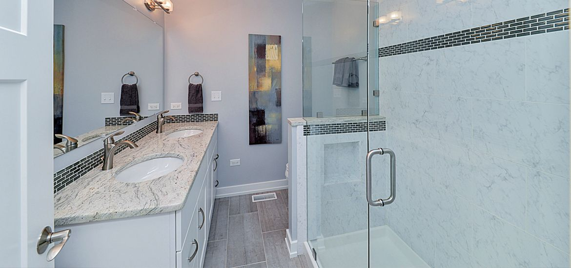 Bathroom Mirrors That Are The Perfect Final Touch In 2020 Amazing Bathrooms Bathroom Renovation Cost Bathroom Pictures
