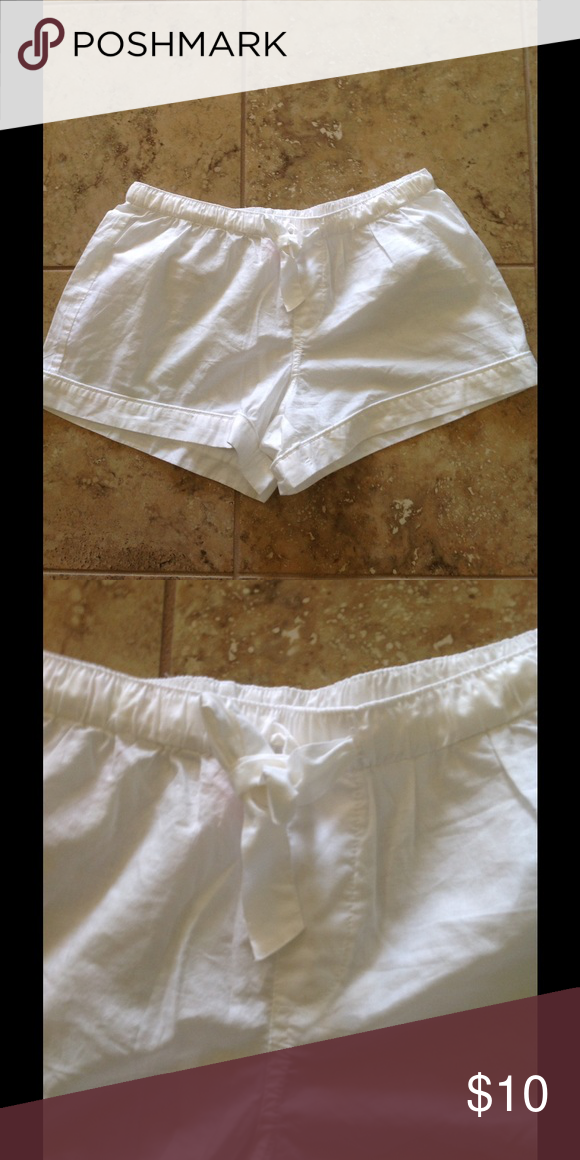 🌸🌸🌸🌸Victoria Secret Sleep Shorts 🌸🌸🌸🌸 🌸🌸🌸🌸Victoria Secret white 100% cotton shorts. There is a bow that ties in front. Their in excellent condition.🌸🌸🌸🌸 Victoria's Secret Shorts