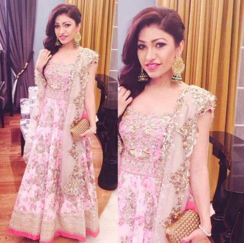 0fbf4149325 Wedding guest style - Sangeet - Tulsi Kumar in a pink Anushree reddy floral  heavy anarkali - Masaba Gupta and Madhu Mantena Wedding 2015
