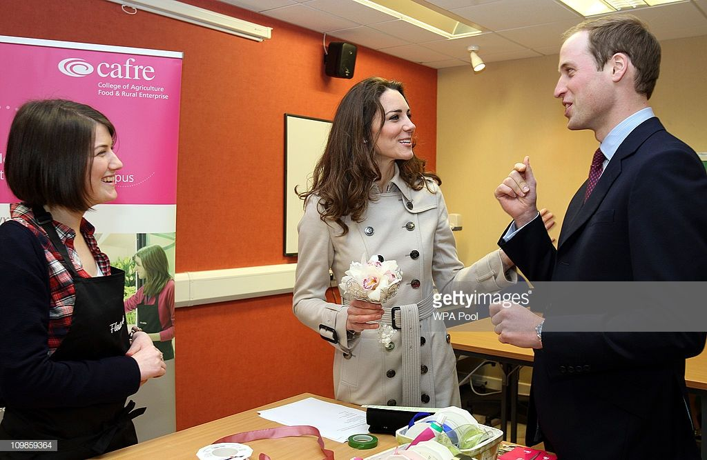 Kate Middleton And Prince William Share A Joke With Wedding Florist Rachel Gibson 20 From Irvine Prince William And Kate Kate Middleton Photos Kate Middleton