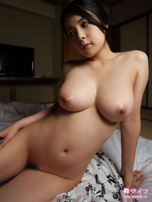 Robi mamie hot nude asian boob