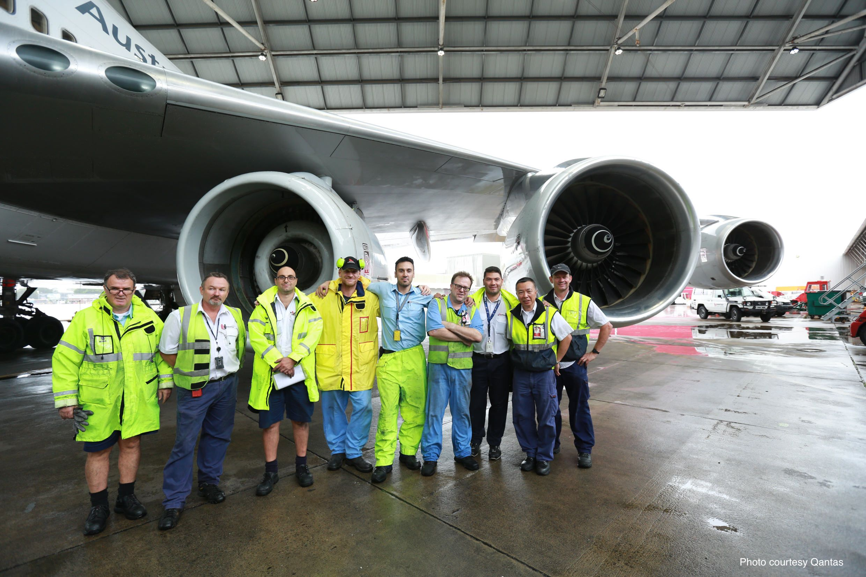 How Qantas Ferried An Engine On The Wing Of A 747 Flightradar24 Blog Aircraft Maintenance Aviation Center Engineering