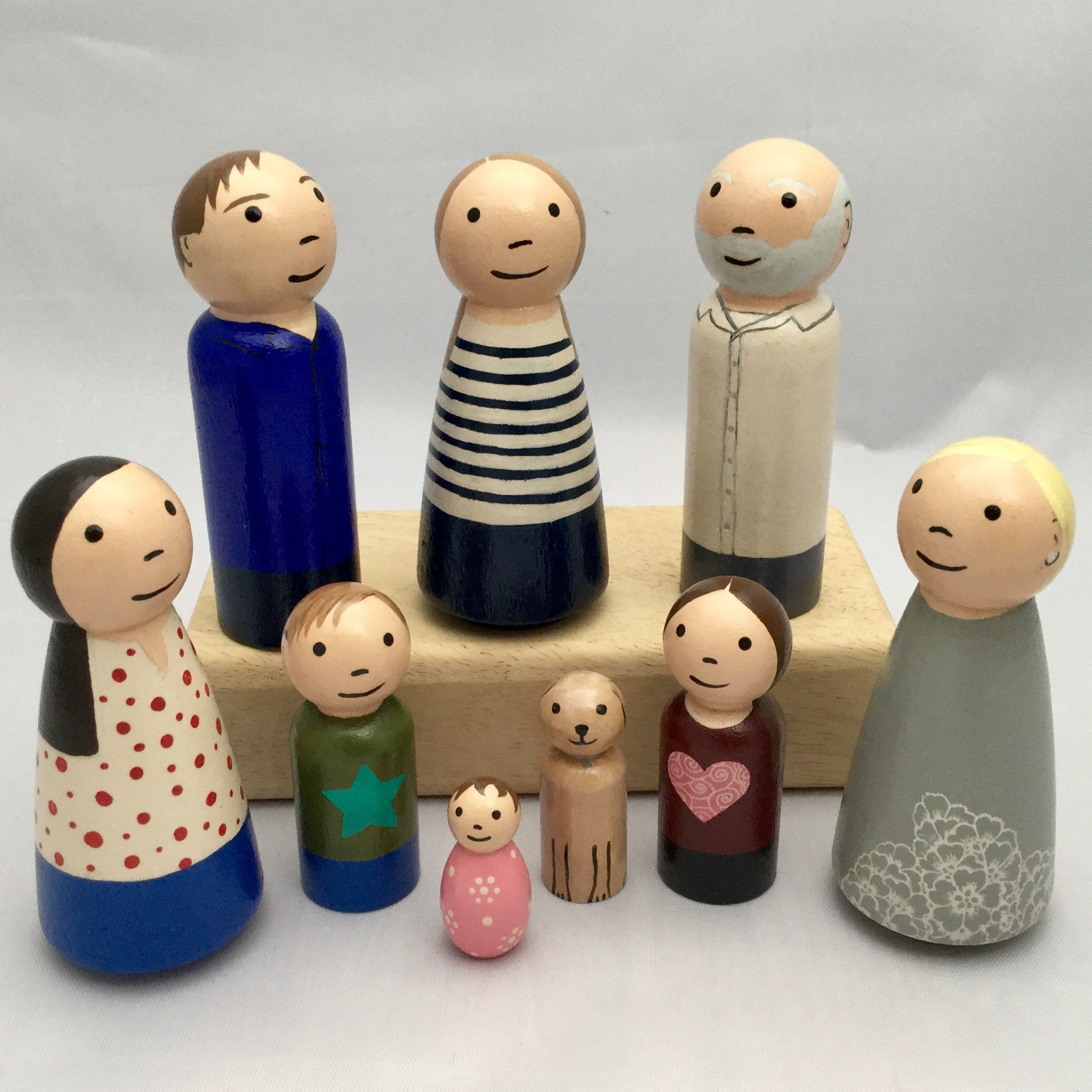 Wooden peg Doll Family of 8 Montessori