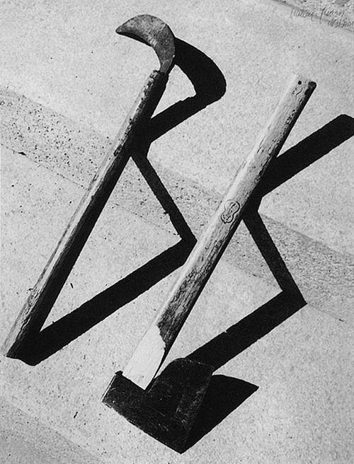 YASUI Nakaji(安井 仲治 Japanese, 1903-1942)    斧と鎌 1931 ☮k☮