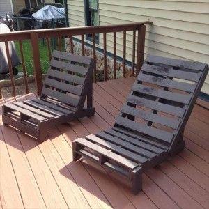 Velhos pallets reciclados se tornam cadeiras coloridas e ...