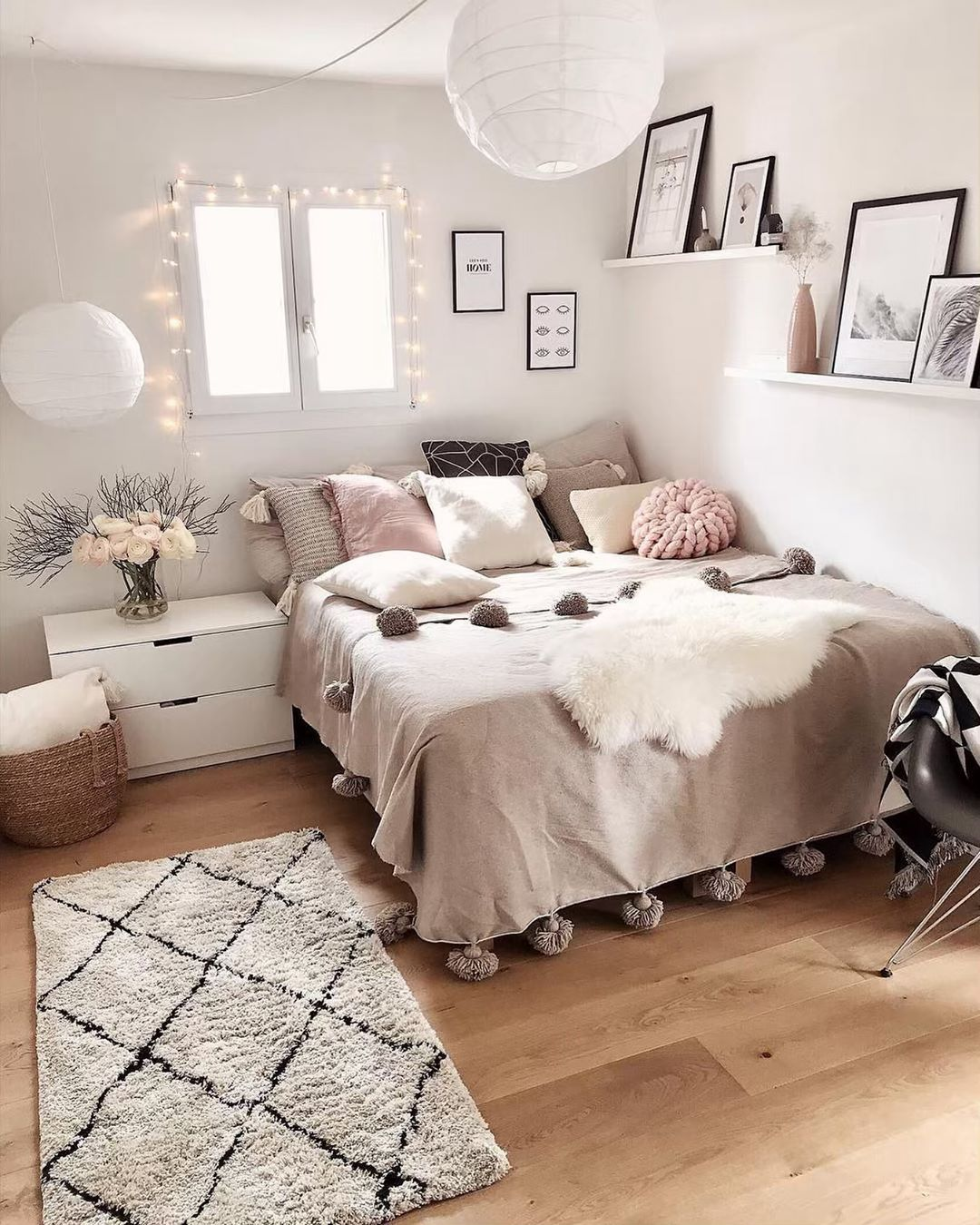 Love It Yay Or Nay Follow Mybedroomgoals For More Photo From Homestylepassi Beddingset B Bedroom Interior Room Inspiration Bedroom Room Ideas Bedroom Most cozy bedroom ideas