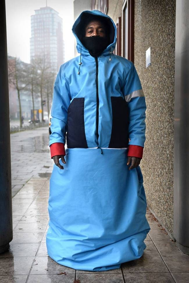 Waterproof Sleeping Bags For The Homeless Made From Recycled Tents Treehugger Homeless Shelter Homeless Bags Wearable