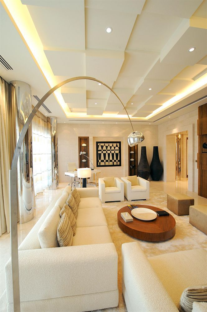Hotel Room Design: Raffles Dubai Hotel Living Room Http://ilovedubai.co/