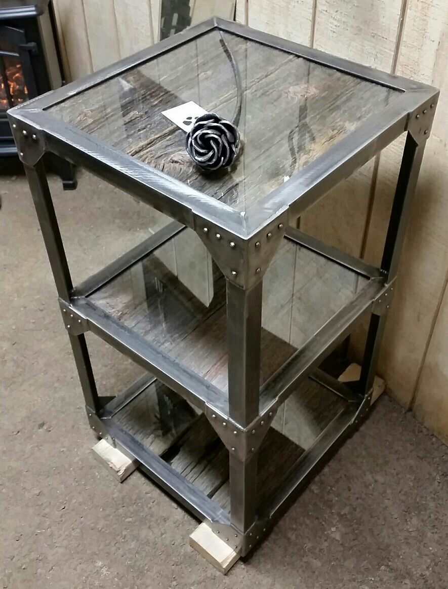 Corner table for sale for Muebles de madera industrial acero