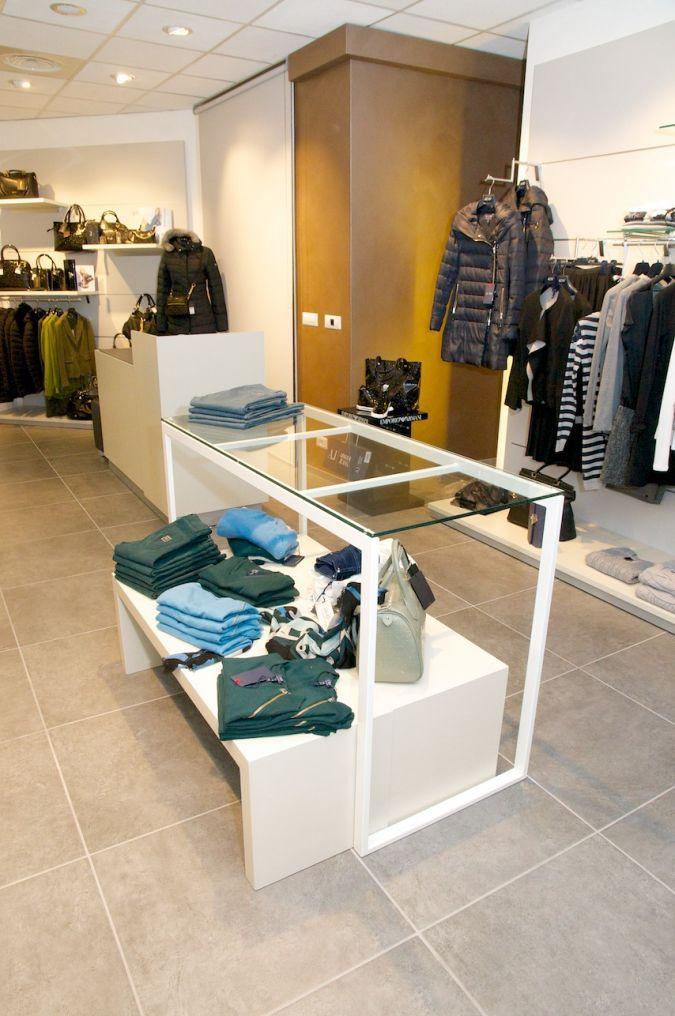 shop design arredamento negozi abbigliamento retail