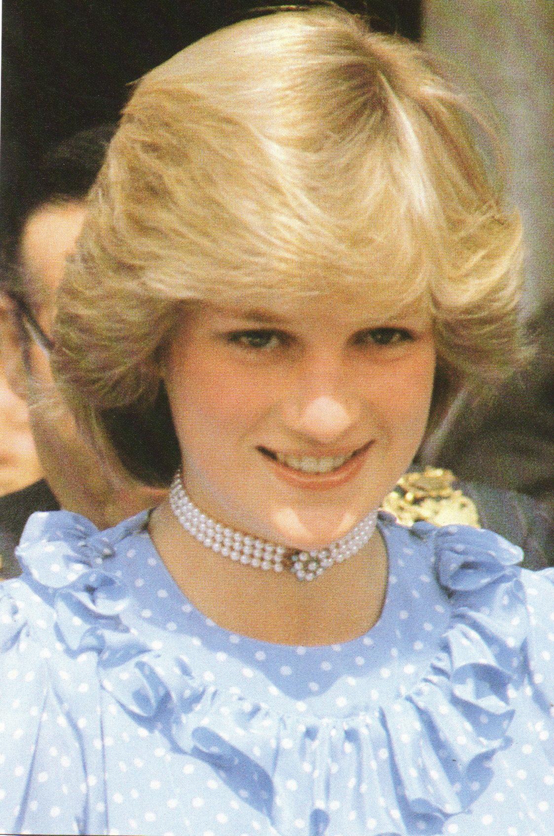 Princess diana diana princess of wales pinterest for Princess diana new photos