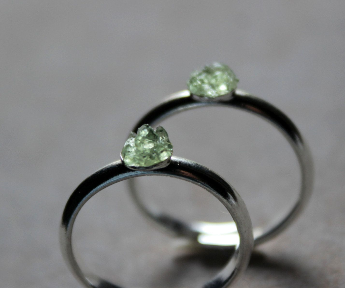 #Etsy#peridot#mineral#jewelry#jewellery#gemstone#ring#raw peridot#August…boho jewelry#boho ring