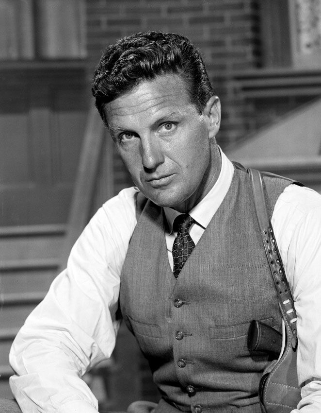 Tonight 10 15 In 1959 Robert Stack Debuted On His New Tv