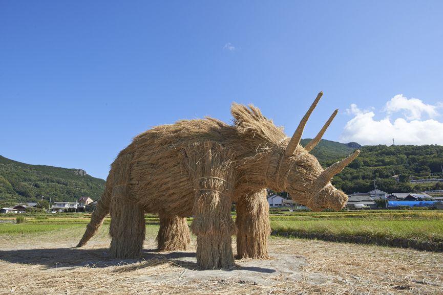Straw Art - Straw Art Team in Musashino Art University