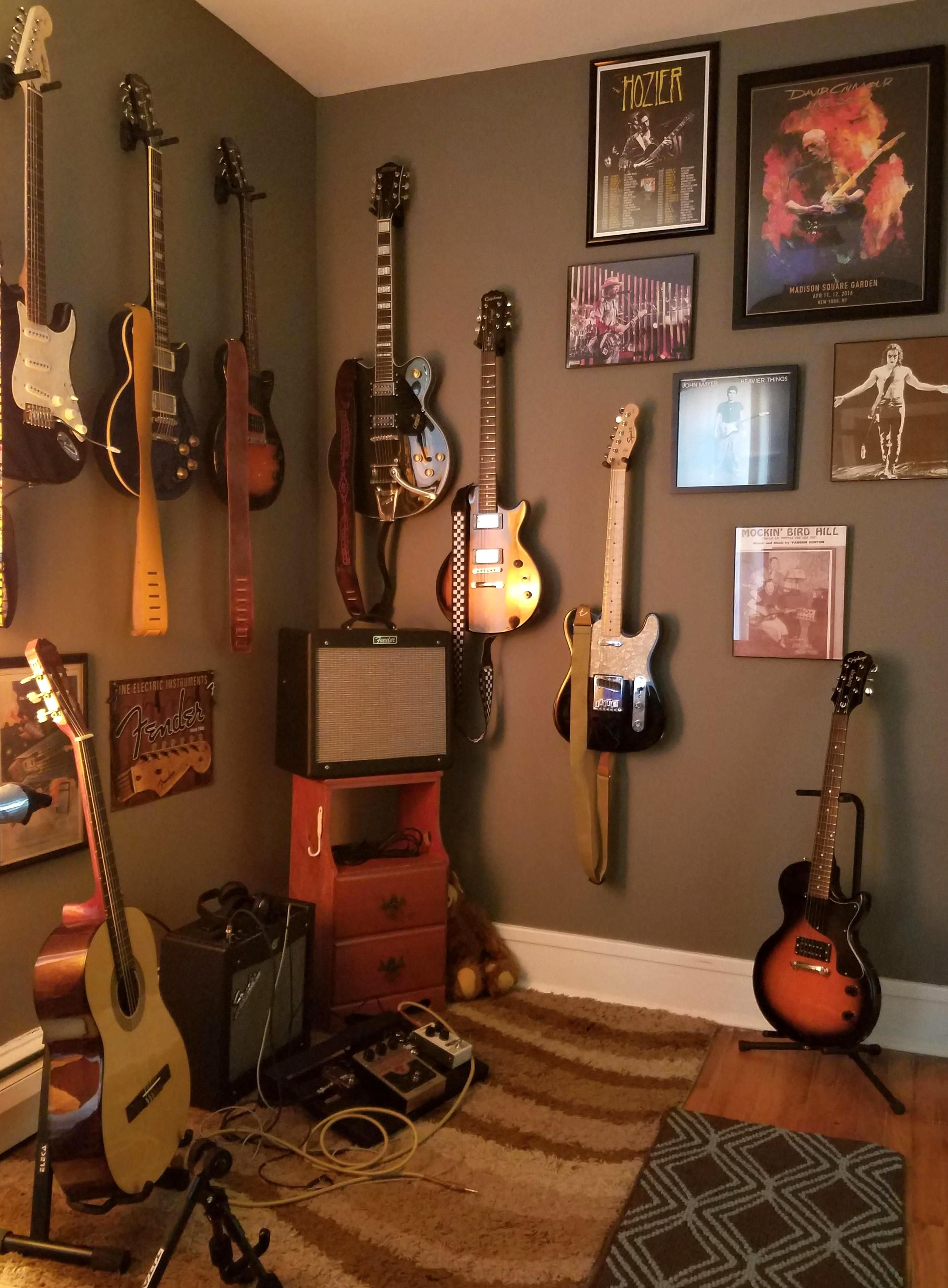 Pin By Irene Segoviano On Music Room In 2020 Home Music Rooms Music Bedroom Music Studio Room