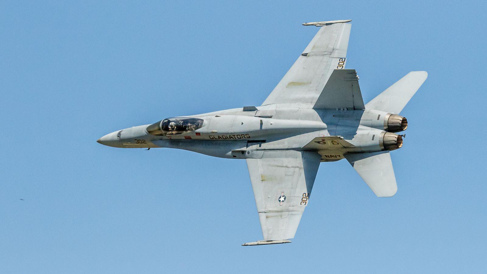 Gladiators - F-18 Hornet-4