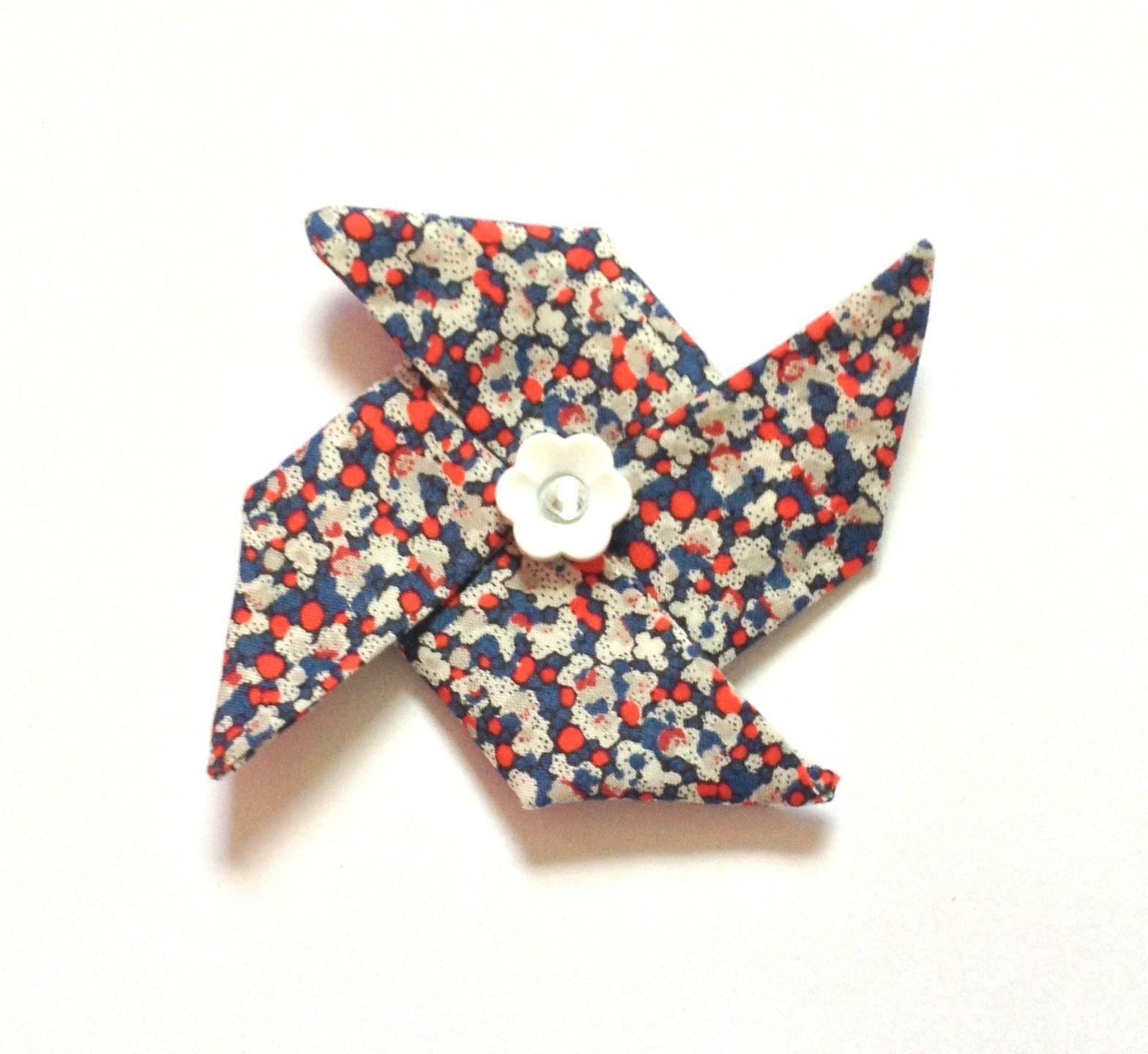 Barrette cheveux moulin à vent origami en tissu liberty pepper rouge et  bleu\u2026