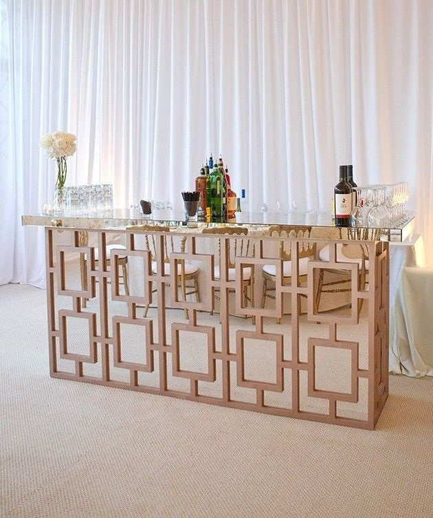 #creativecocktail bar for every #eventwedding.... It's important to make yours which the #guest will remember #theparty call us on 9987874663 #ovationeventsnrentals #counterbar #designbar #eventinspiration #mirrorideas #cocktailpartyideas #partyhouse #ovationenr #weddingideas