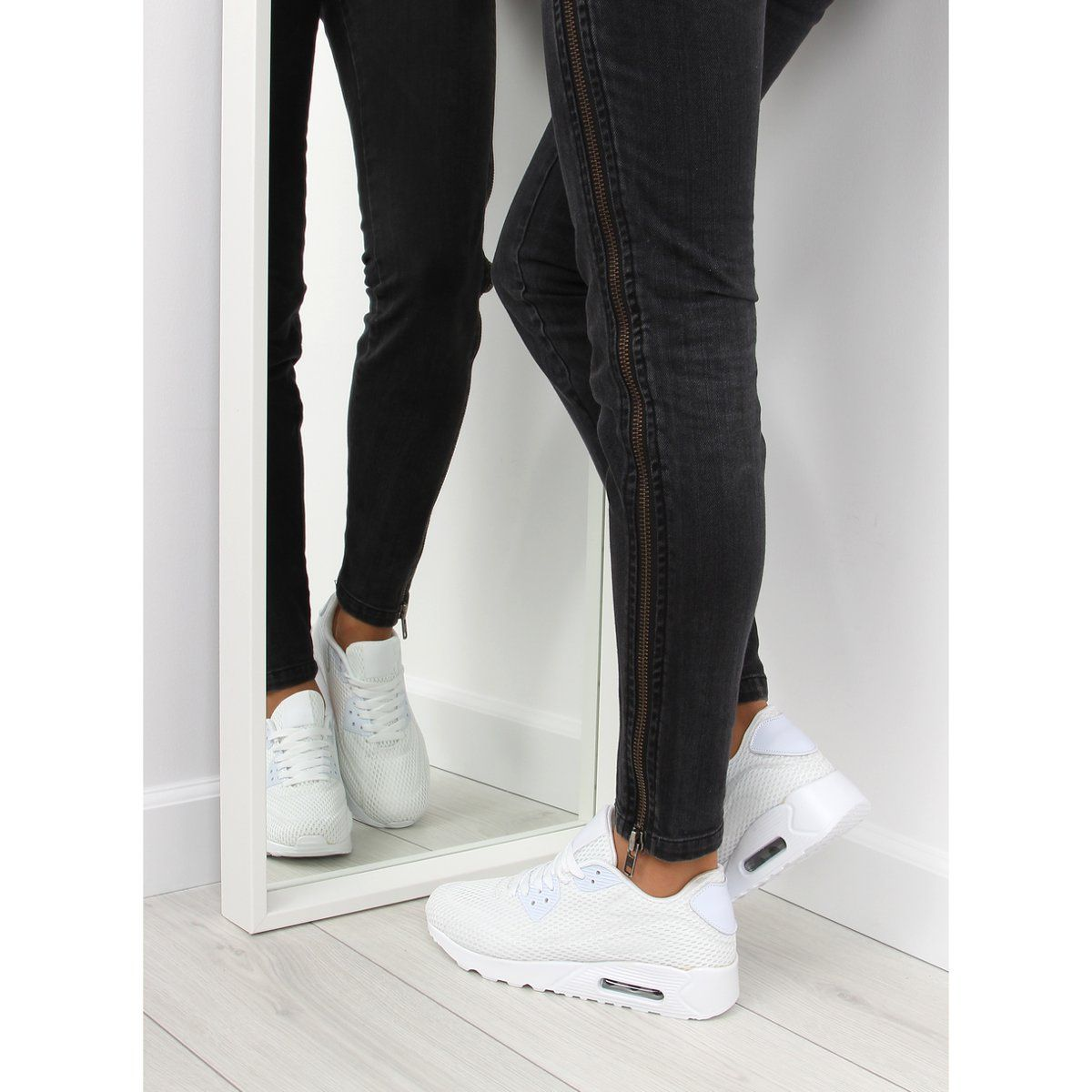 Buty Sportowe Damskie Biale Dsc33 White Fashion Black Jeans Black