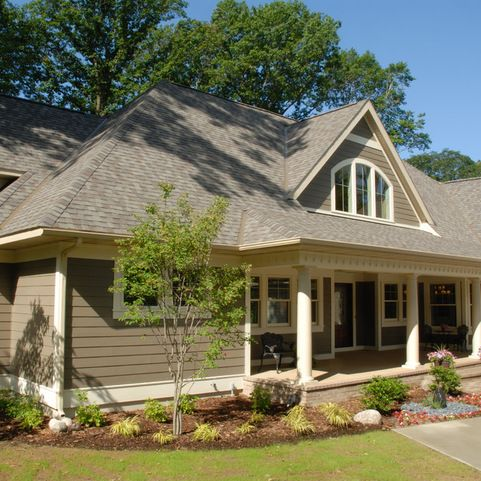 Trim Color Is Benjamin Moore Ivory Porcelain And James Hardy Siding Color Is Timber Bark Paint