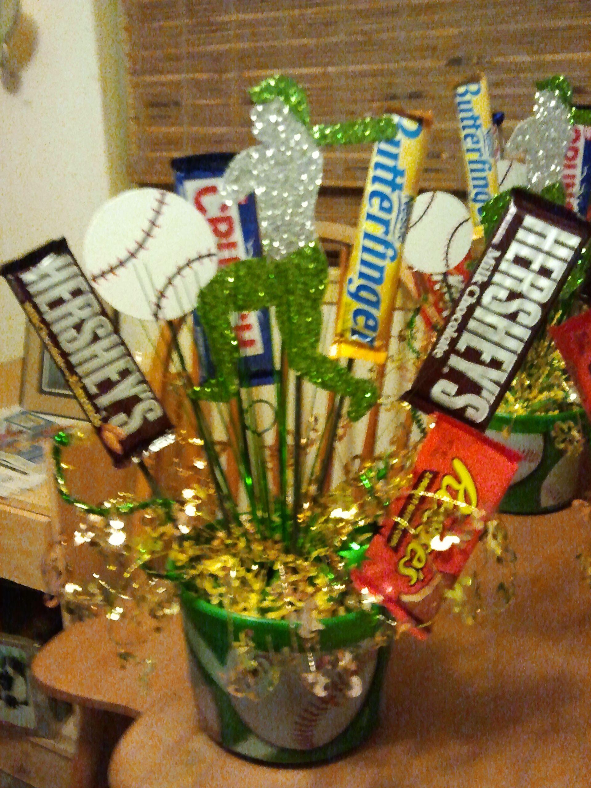 Baseball banquet centerpieces and
