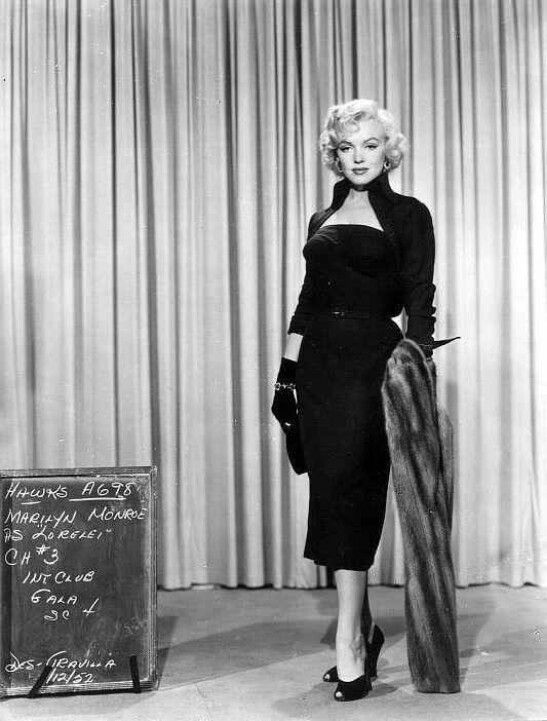 Costume test for Gentlemen Prefer Blondes