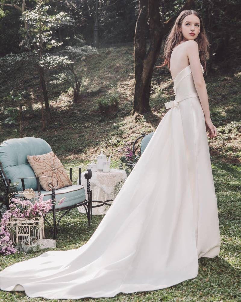 Atelier Lyanna Modern Brides Sleek column wedding gown