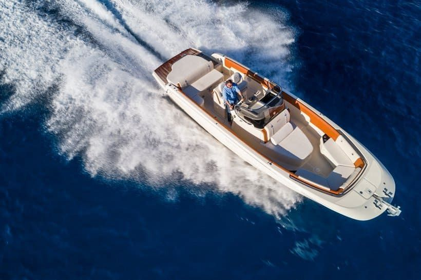 The Invictus 280SX Combines Relaxation with High Speed