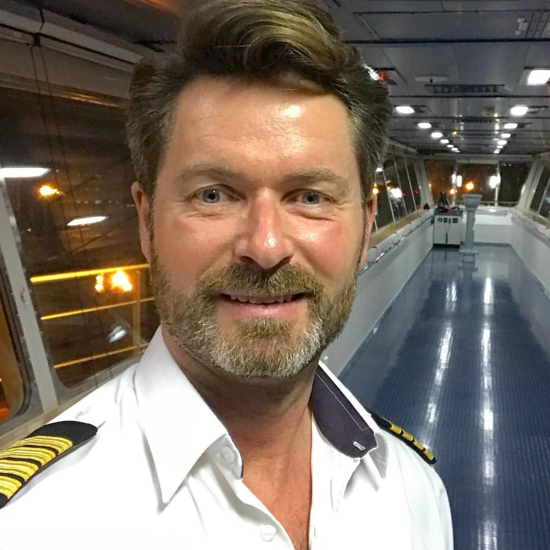 thomas lindegaard madsen - The Real Captain Thomas - I am