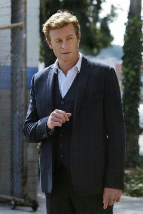 Mentalist star Simon Baker: The charm is no act - CBS News 52