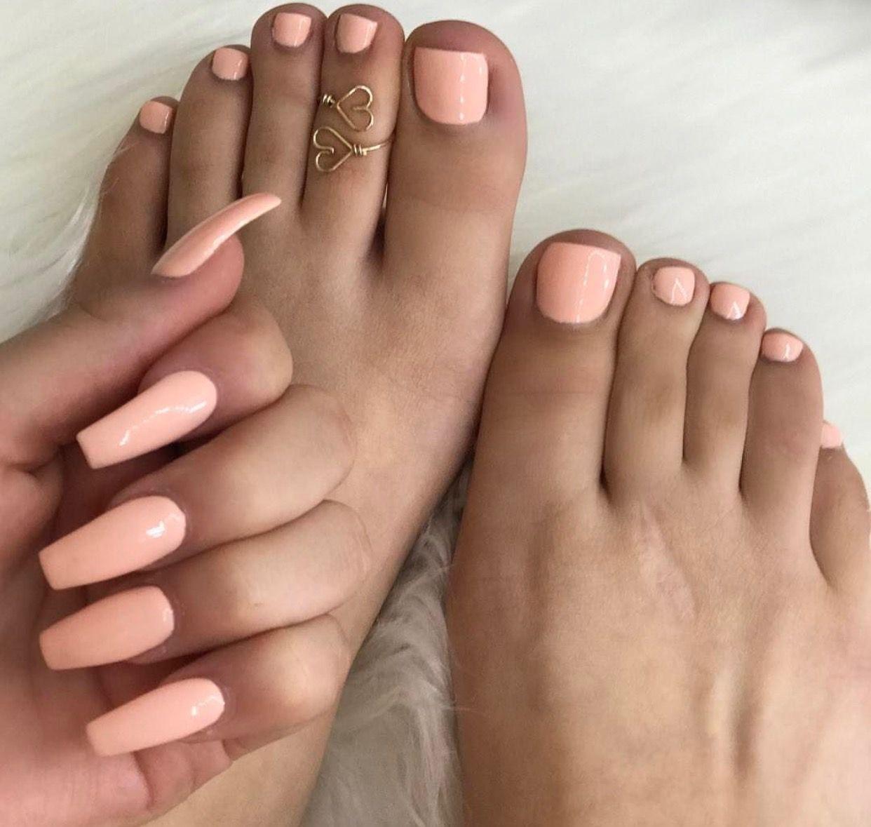 Pin By Evian On Nails Toe Nails Feet Nails Peach Nails