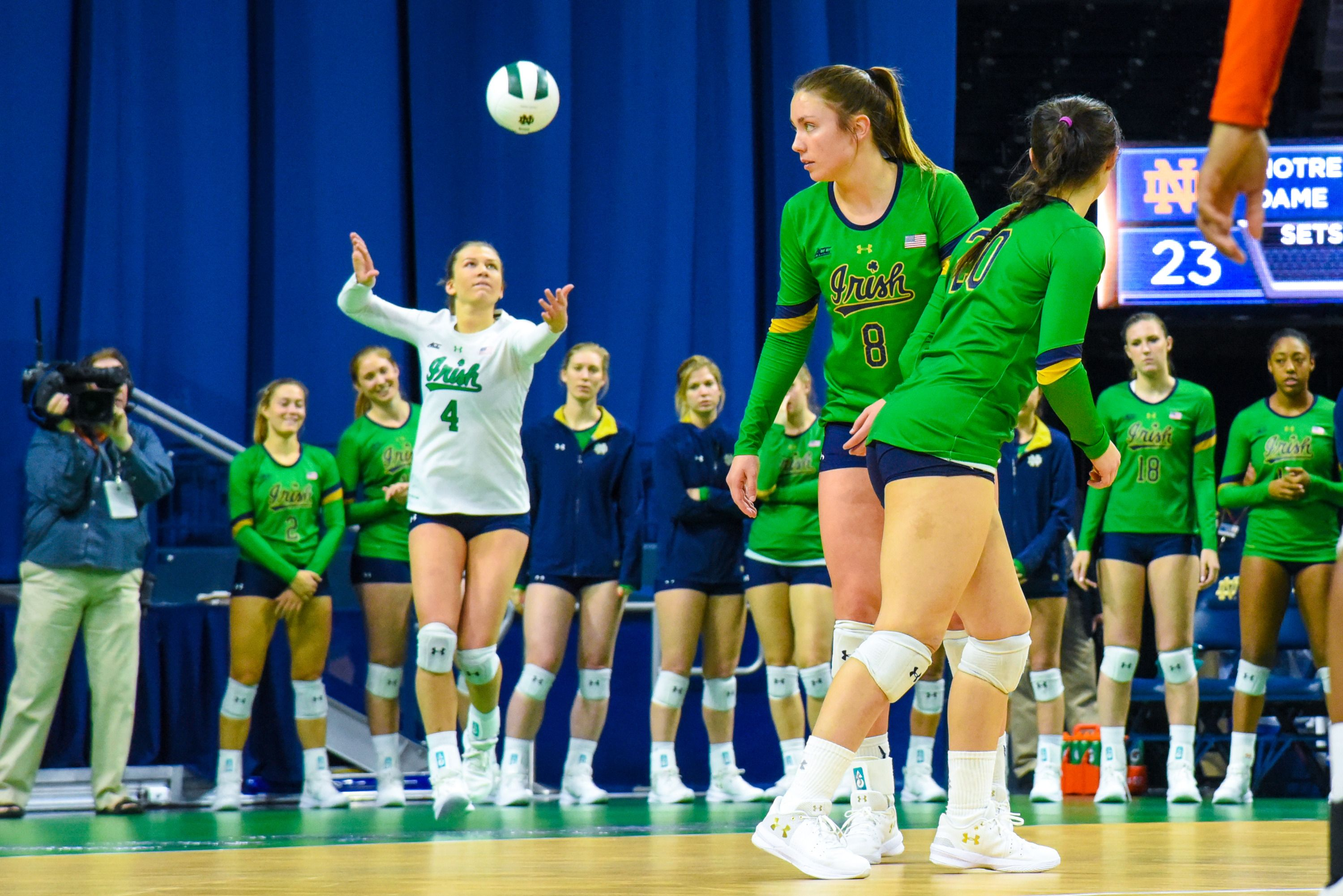 Five Favorite Photos Of 2017 Volleyball Volleyball Notre Dame University Womens Soccer