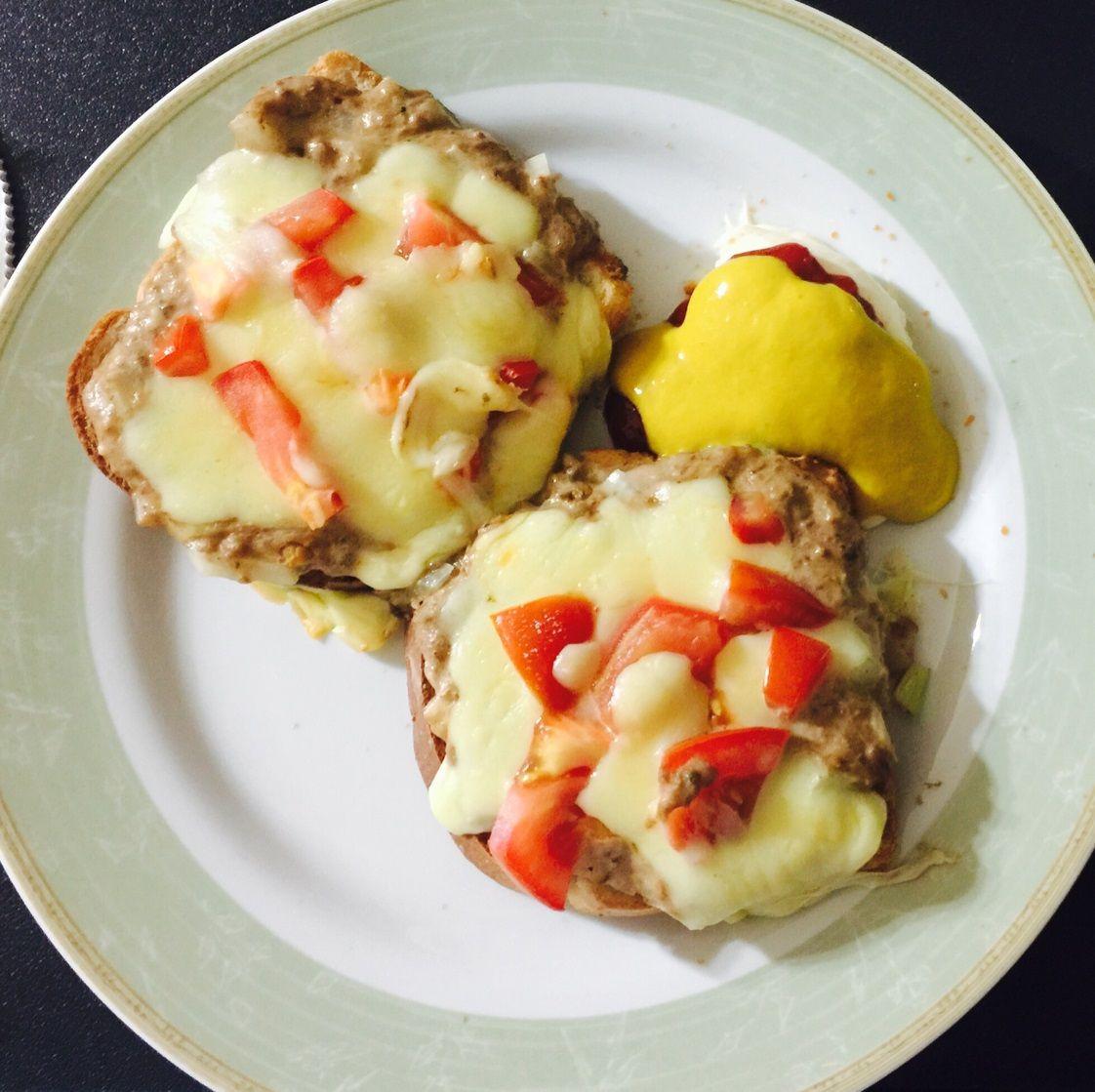Receita de Tuna sandwich (sanduíche de atum). Enviada por Caroline e demora apenas 20 minutos.
