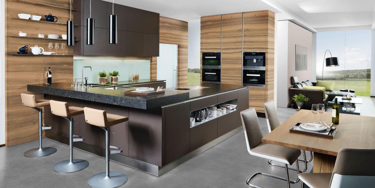 Attractive Moderne Wohnküche In Lederoptik Kombiniert Mit Furnierten Holzfronten In  Eiche