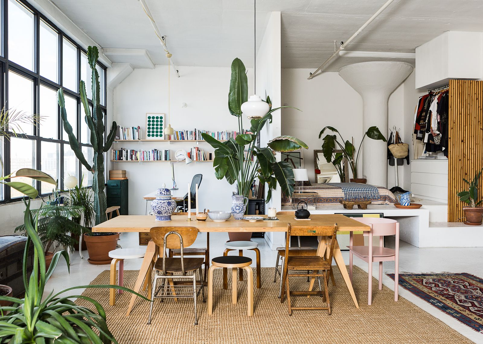 If You Need White Walls Apartment Decorating Inspiration This Downtown Brooklyn Spot Has Covered