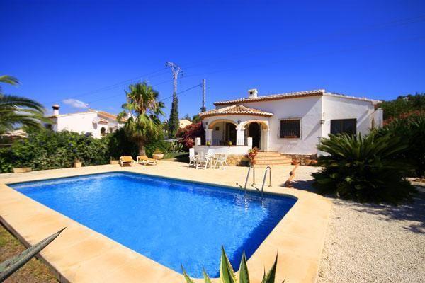 Schöne und romantische Villa mit privatem Pool in Javea
