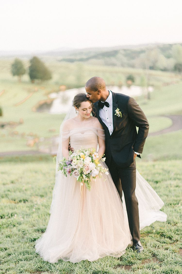 Elaya Vaughn wedding dress - photo by Elizabeth Fogarty http://ruffledblog.com/soft-wedding-inspiration-in-oatmeal-and-gray