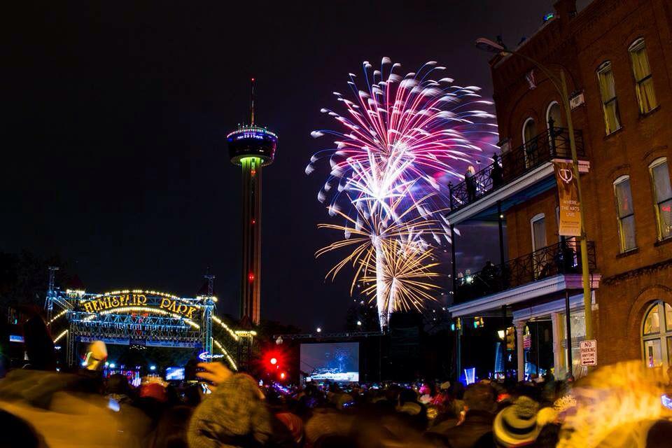 San Antonio, TX NYE 2015 New years eve, Cn tower, Tower