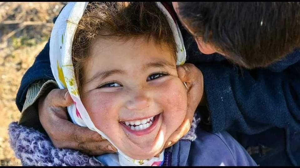 لا تجعلوا شيئ ا تافه ا يكدر حياتكم فالدنيا إلى زوال عيشوا أيامكم بنكهة الحب والفرح وارسموا على محي اكم ابتسامة الأمل Always Smile Just Smile Baby Face