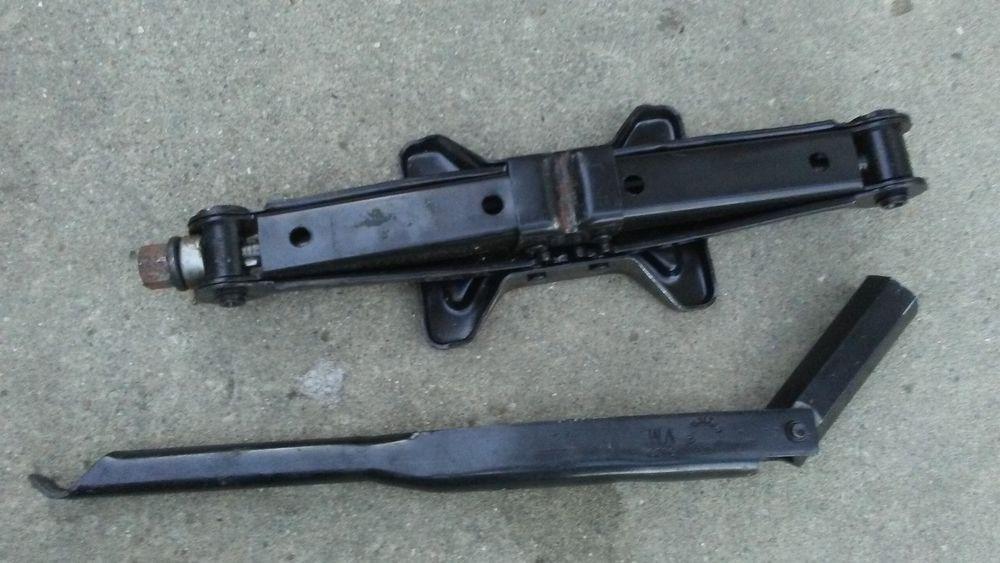 0109 Chrysler PT Cruiser Neon Jack Lug Wrench